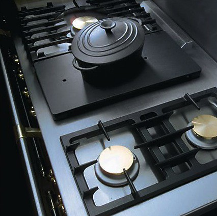 Lacanche portable simmer plate in use